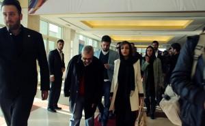 ساره بیات در کنار فرزاد موتمن در کاخ جشنواره