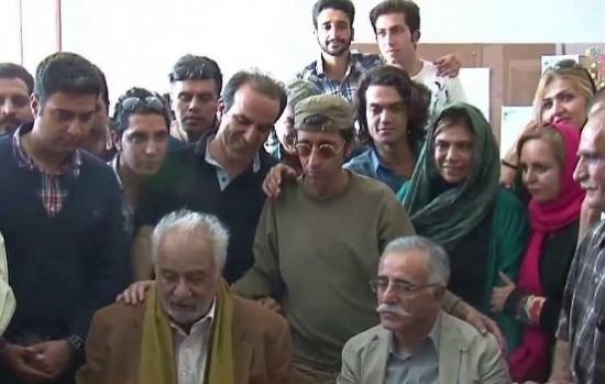 """تورج اصلانی در کنار ناصر ملک مطیعی(پشت صحنه """"نقش نگار"""")"""