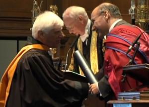 بهرام بیضایی و دریافت دکترای افتخاری از دانشگاه سنت اندروز