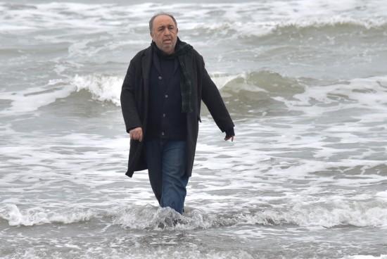 بهمن فرمان آرا در نمایی از «حکایت دریا»