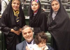 حسین نقوی حسینی و فرزندان