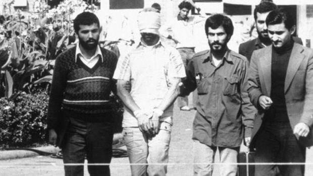 حمید خاکبازان(نفر اول از راست)