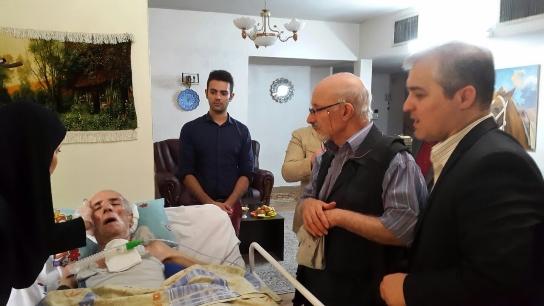 احمد علامه در بستر بیماری