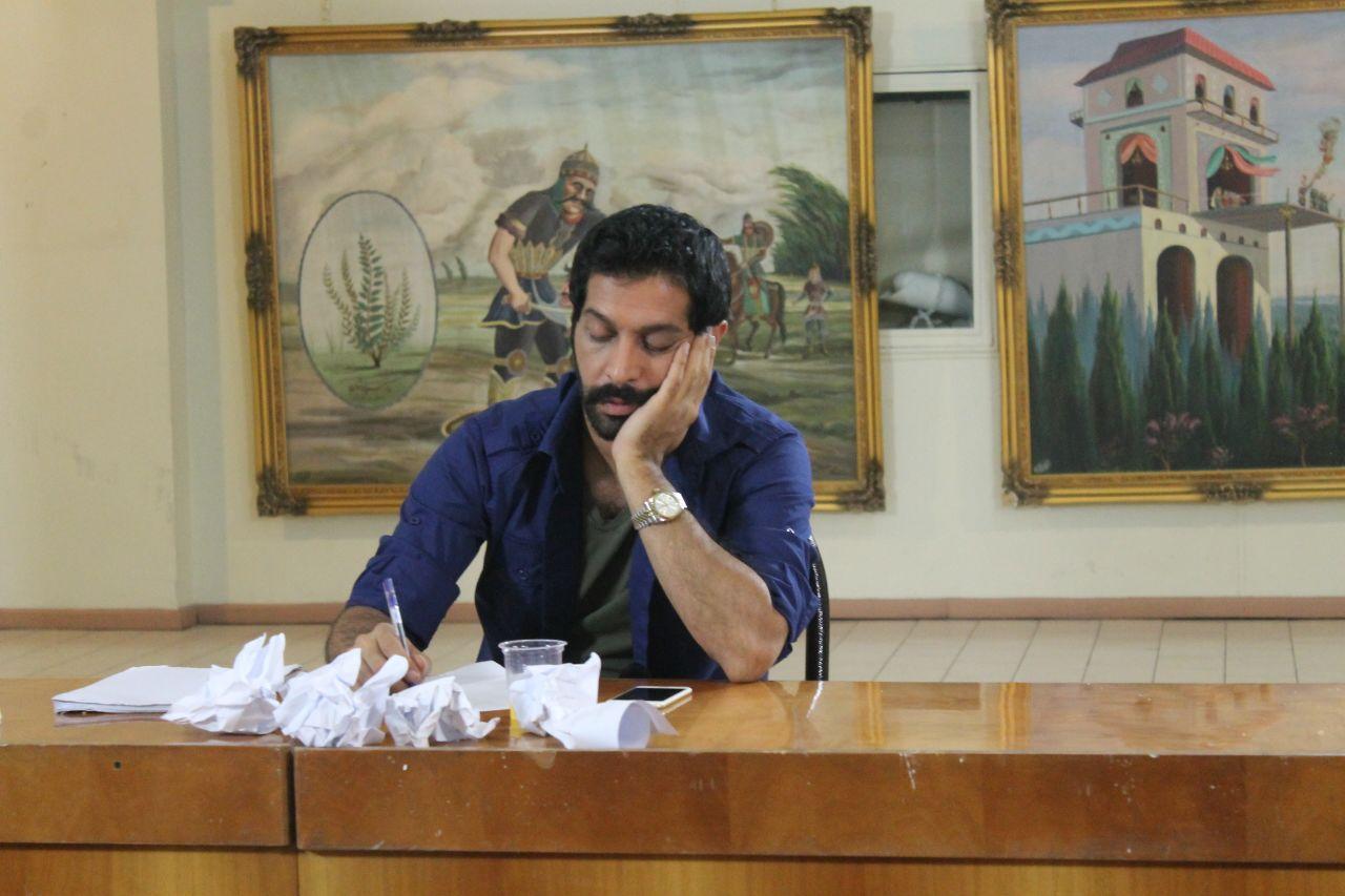 """کامران تفتی در نمایی از """"عشق خاموش"""""""