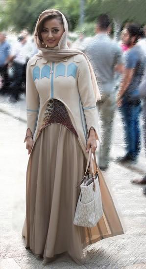نفیسه روشن با پوششی غیرمتعارف در جشن حافظ