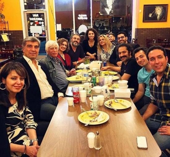 بیضایی و همکاران در رستوران هندی