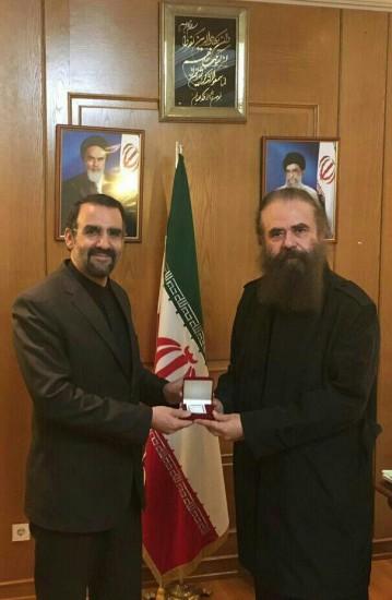 امیرحسین شریفی در کنار سفیر ایران در روسیه